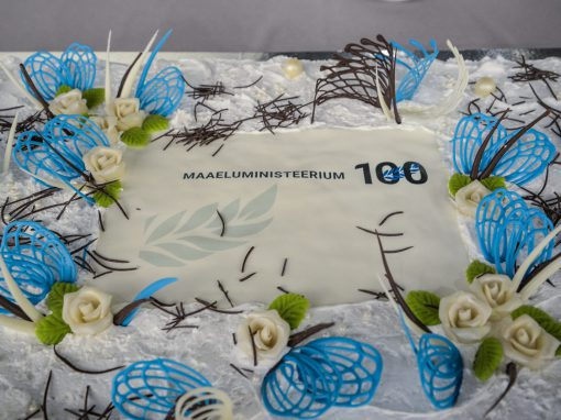 Maaeluministeerium 100